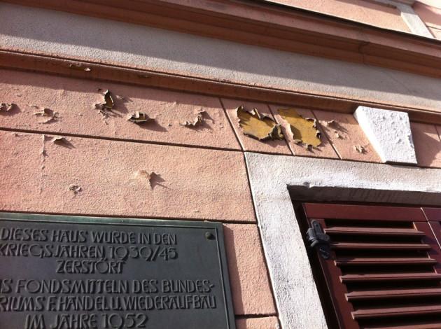 VORHER: Starke Fassadenschäden